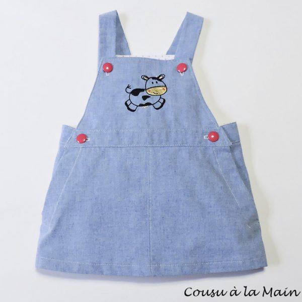 Robe Bébé à Bavette Brodée en Chambray Bleu Ciel